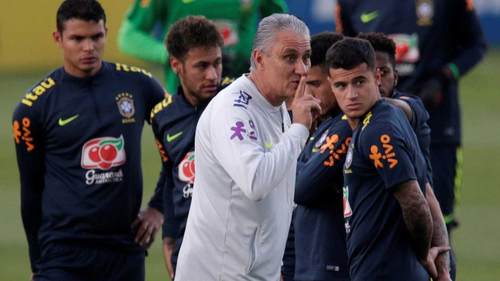 4f7e453ae0 Tite confirma time que entra em campo na estreia do Brasil na Copa ...